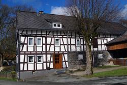 Bauernhaus in Weide