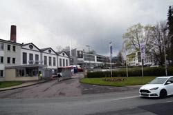 Die Otto Fuchs KG in Meinerzhagen ist als Metallverarbeiter für die Automobilindustrie, Luft- und Raumfahrttechnik, Bauwirtschaft und den Maschinen- und Anlagenbau tätig
