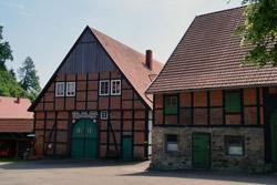 Bauernhof unterhalb der Kirche