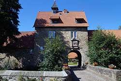 Torbogen Wasserschloss Münchhausen in Apelern