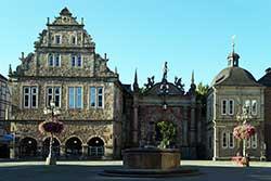 Marktplatz mit Schlossportal in Bückeburg