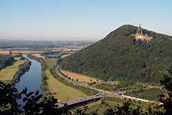 Blick von der Porta-Kanzel zum Kaiser-Wilhelm Denkmal
