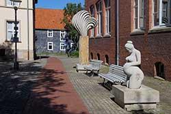 Werke des Bildhauer-Symposiums aus Oberkirchener Sandstein