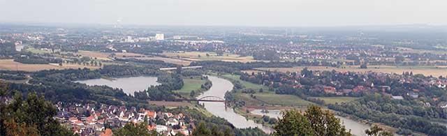Blick vom Kaiser-Wilhelm-Denkmal über die Porta Westfalica