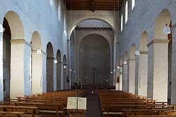 Basilika St. Johannes Baptist neben Schloss Johannisberg