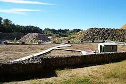 Oberkirchener Steinbruch mit Fährten von pflanzenfressenden Sauriern