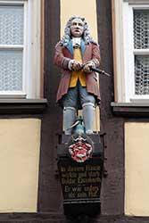Holzstatue Doktor Eisenbart