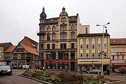 Karlsplatz mit Stadt-Apotheke