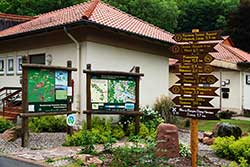 Wanderportal Hitzelrode. Hier beginnt der 1,7 km lange Zugangsweg zum Werra-Burgen-Steig Hessen