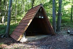 Schutzhütte am Brückenberg in Röhrda