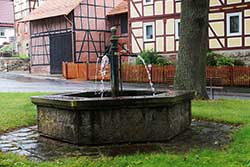 Dorfbrunnen in Holzhausen