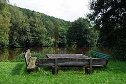 Rastplatz am Teich im Hasengarten